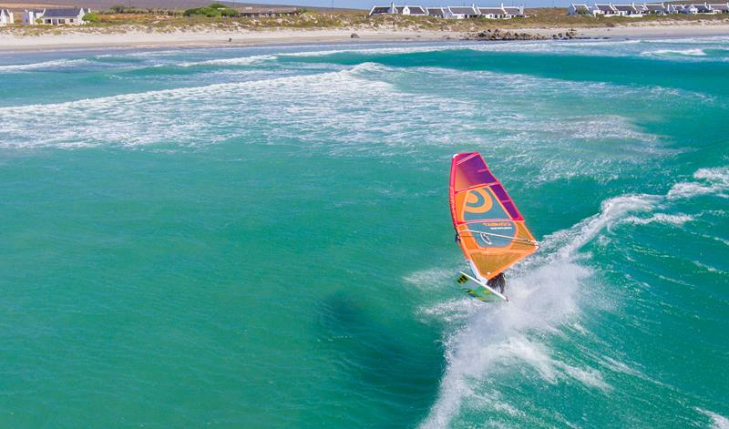 3_South_Africa_Langebaan_Windsurf_Holiday_wave_sailing_800x471